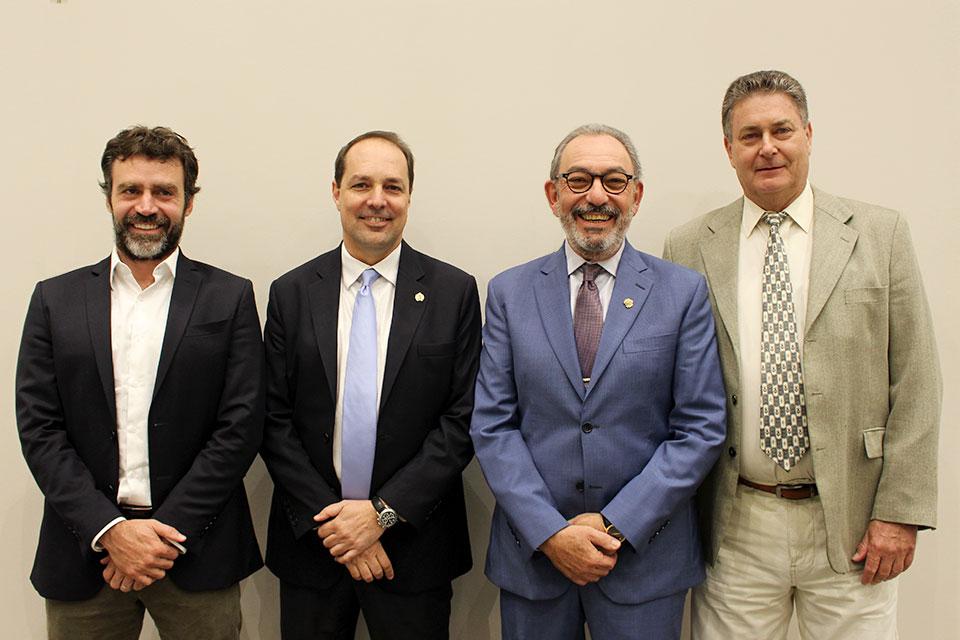 diretoria associação lyonesa de cirurgia do joelho no brasil